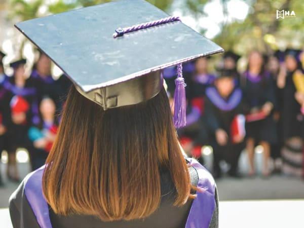 Postgraduate scholarships học bổng du học cho sinh viên đại học