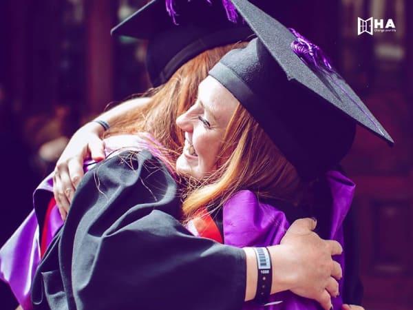 Học bổng trường Portsmouth và quỹ hỗ trợ
