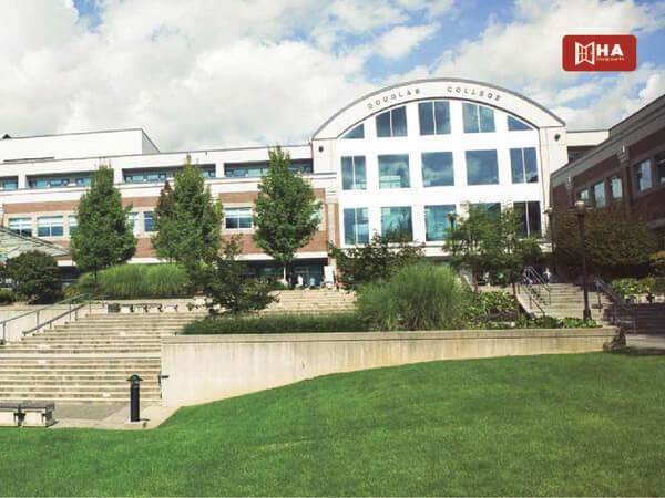 Giới thiệu chung trường Douglas College