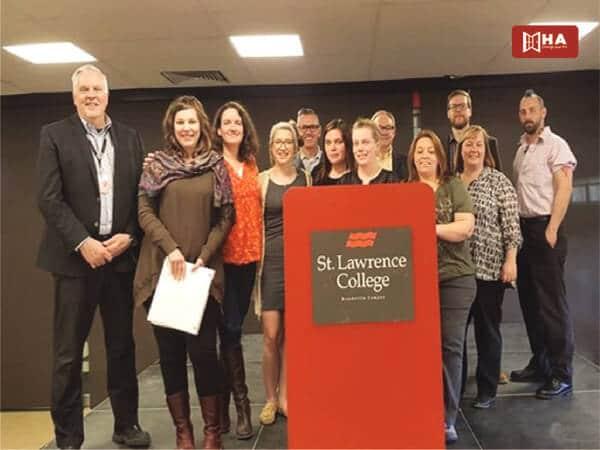 Học phí & Học bổng Trường St Lawrence College
