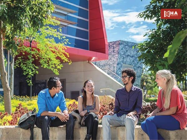 Học tập trong khuôn viên của ECU
