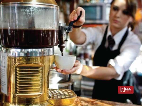 Barista pha chế cà phê công việc làm thêm ở canada