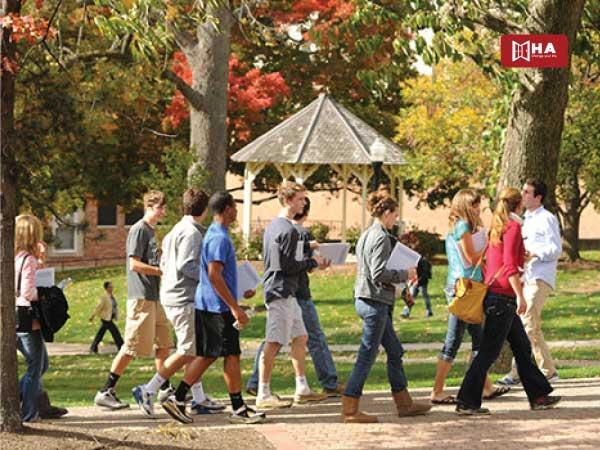 Tham dự các sự kiện miễn phí của trường tiết kiệm chi phí du học mỹ