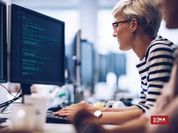Đi du học nên học ngành gì Khoa học máy tính hoặc Công nghệ thông tin