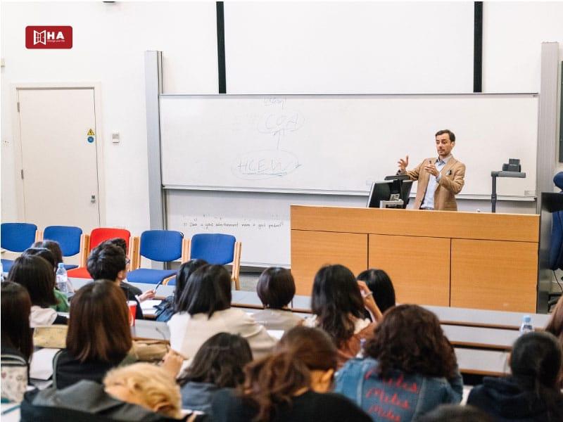 Chương trình đào tạo tại trường đại học UCL